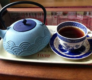 Superfine black tea teapot and teacup